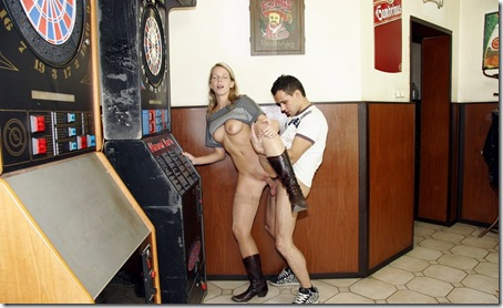publicplacepussy-agnes-fucked-in-a-pub